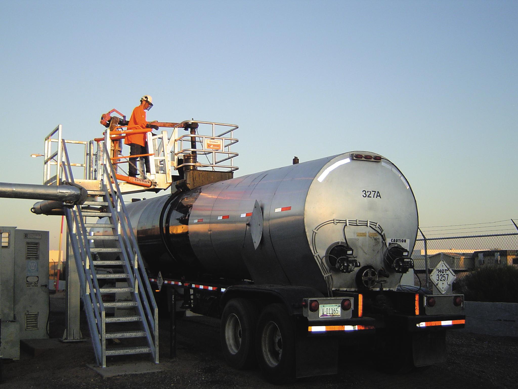 Cement TrAsphalt loading platform and top loading armuck Loading Safety Cage