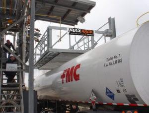 MaxRack-Elevating-Safety-Cage-at-Truck-Loading-platform