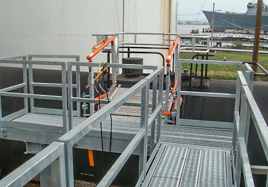 saferack railcar extra wide frt gangway 900x628