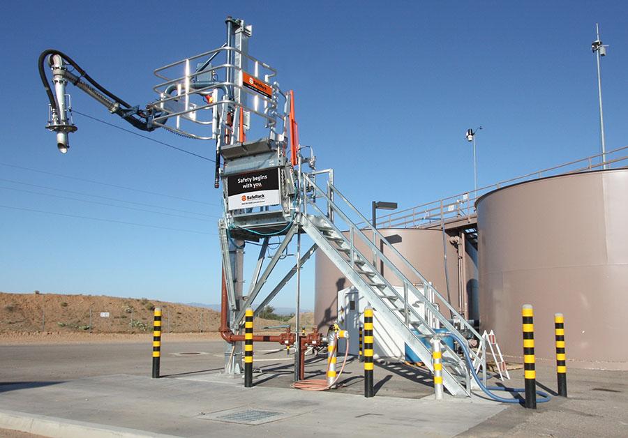 saferack extra wide top loading truck sas gangway loading platform