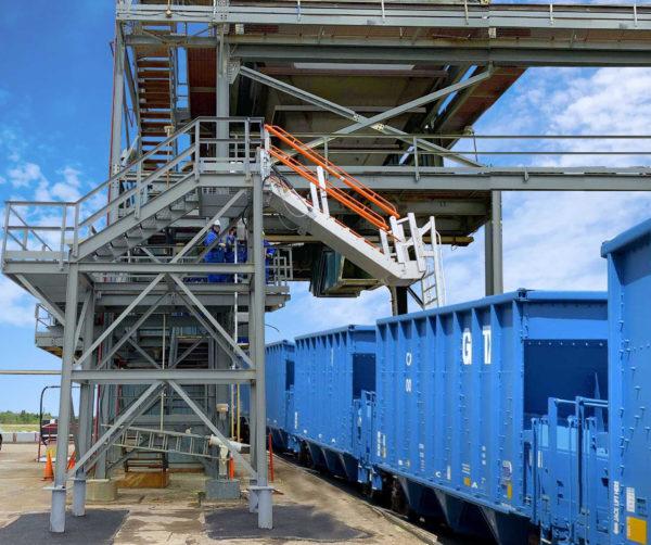 loading sulfur prill into gondola railcars