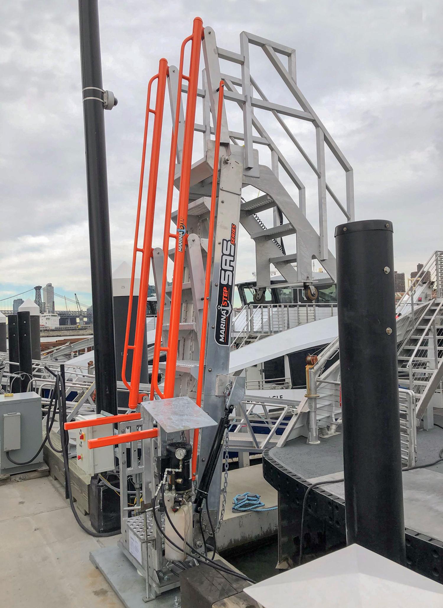 MarinaStep hydraulic SAS Gangway barge entrance