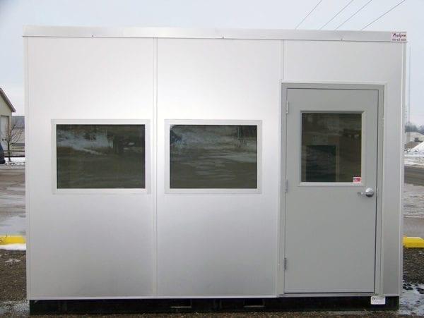 Operator work shelter