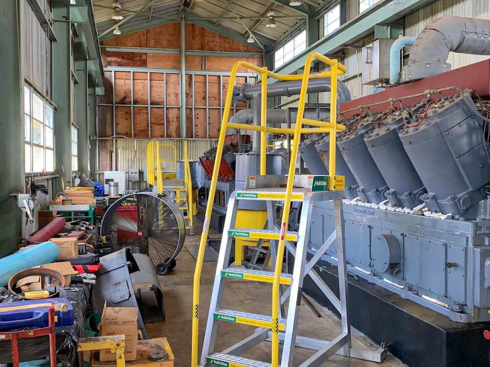 TR Series Mobile Work Platform for Diesel Engine Maintenance