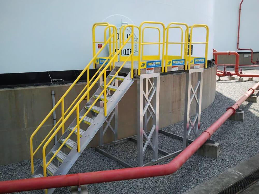 Metal Work Platform With Metal Stairs