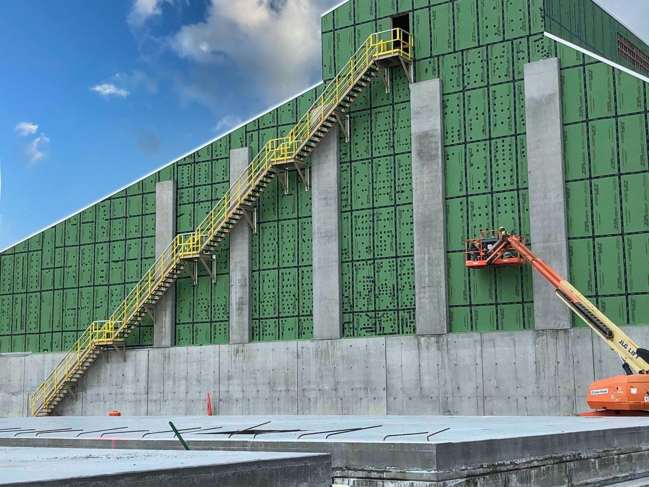 Ammonium sulfate railcar loading facility