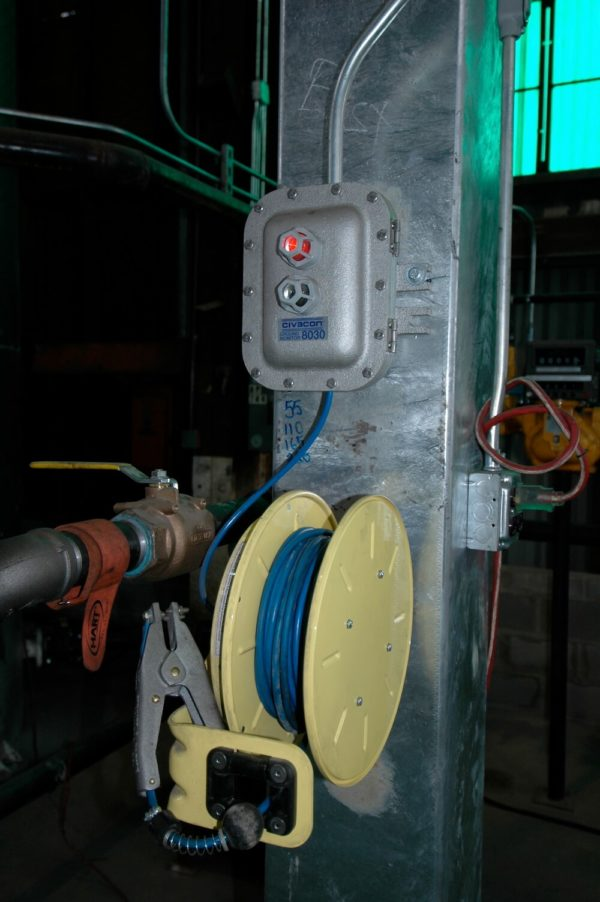 grounding system with clamp