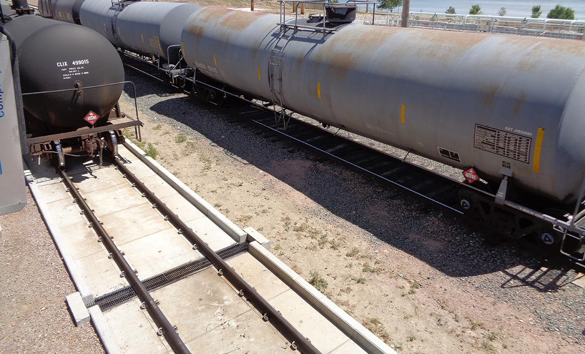 Railcar Track Pans I - SafeRack