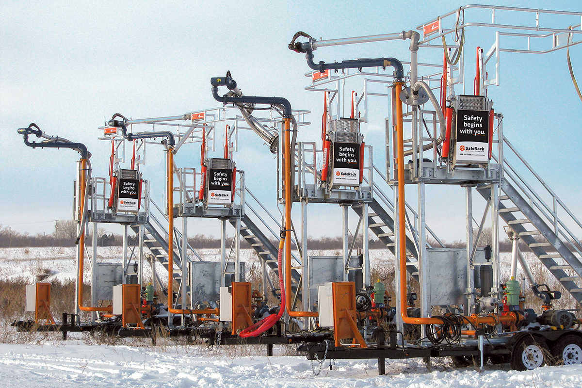 Top and bottom pump and loading arms FRT gangway transloader