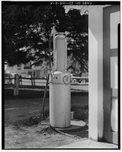 hand crank gas pump