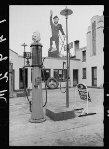 1939 gas station pump