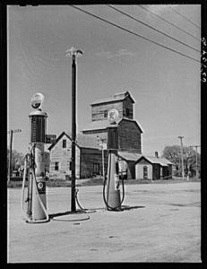 1942 gas station pump