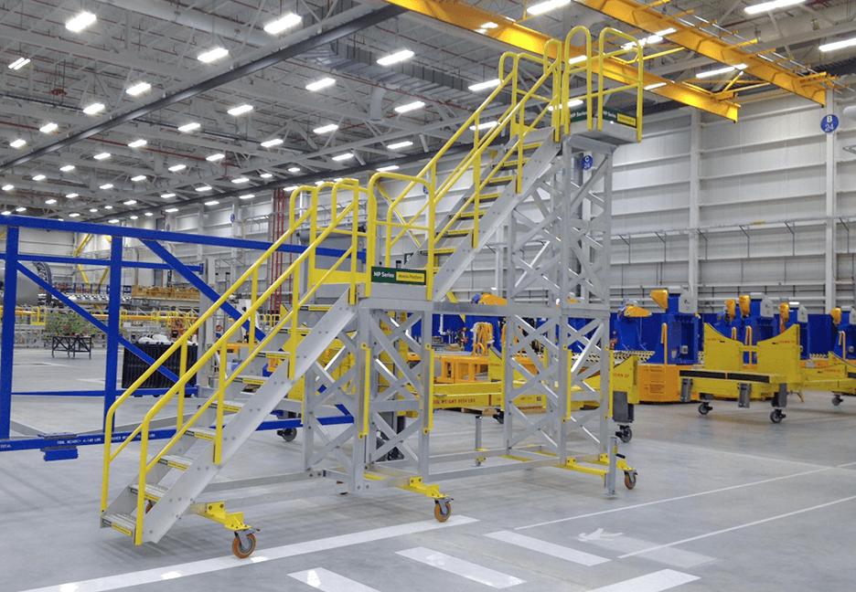 Pax Door Platform w/ Rolling Stairs