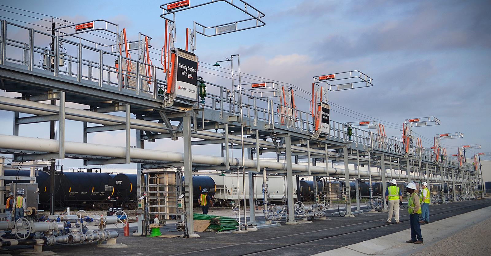 Long Metal Work Platform for Railcar Loading